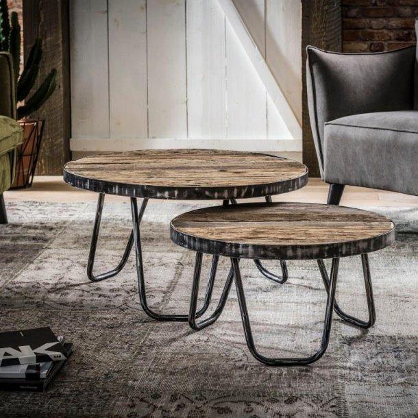 Ventu - sofabord, genbrugstræ, patineret metal.