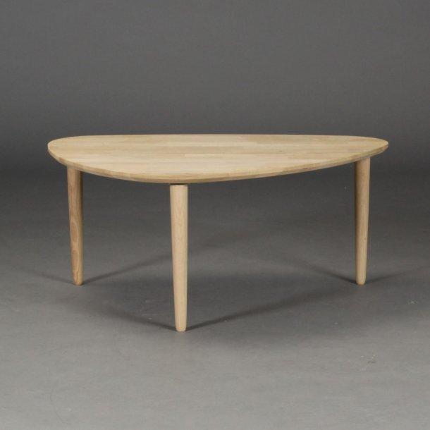 Lumber - sofabord i massiv eg,  organisk trekant 80 x 60 cm
