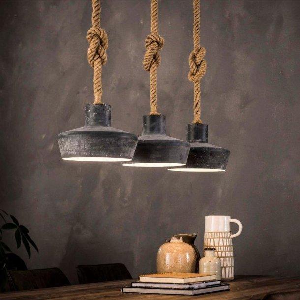 Billede af Loftlampe i betonlook og kraftige reb til ophæng