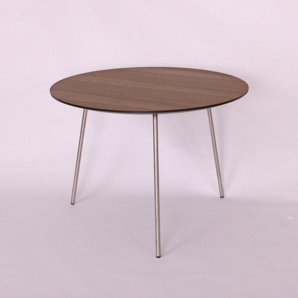 CT 40 - sofabord i valnød finer, metalben, 3 størrelser.
